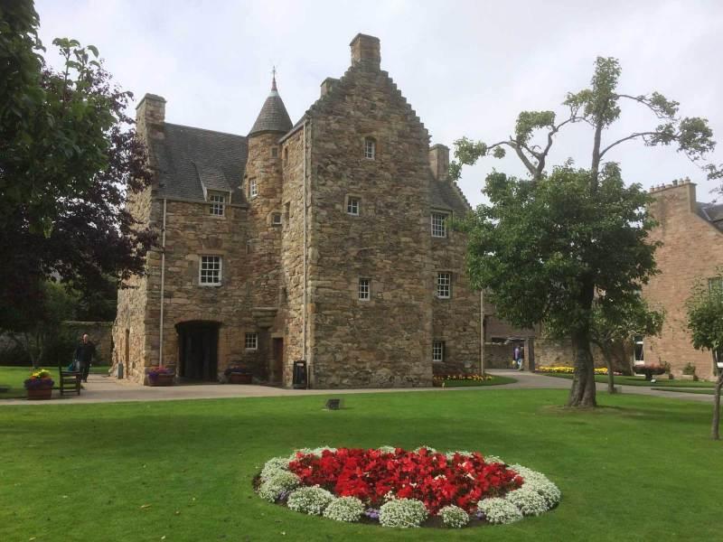 Jedburgh-Mary-Queen-house