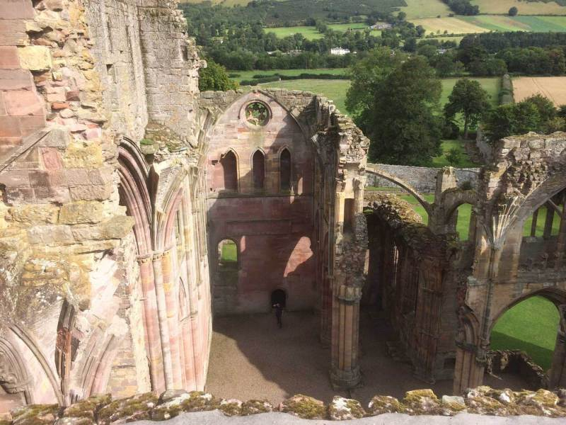 Melrose-Abbey-rooftop-2