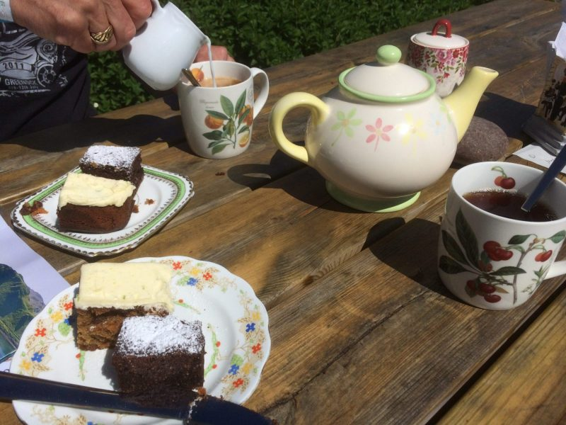 Kerrera-Teapot-cake-scaled