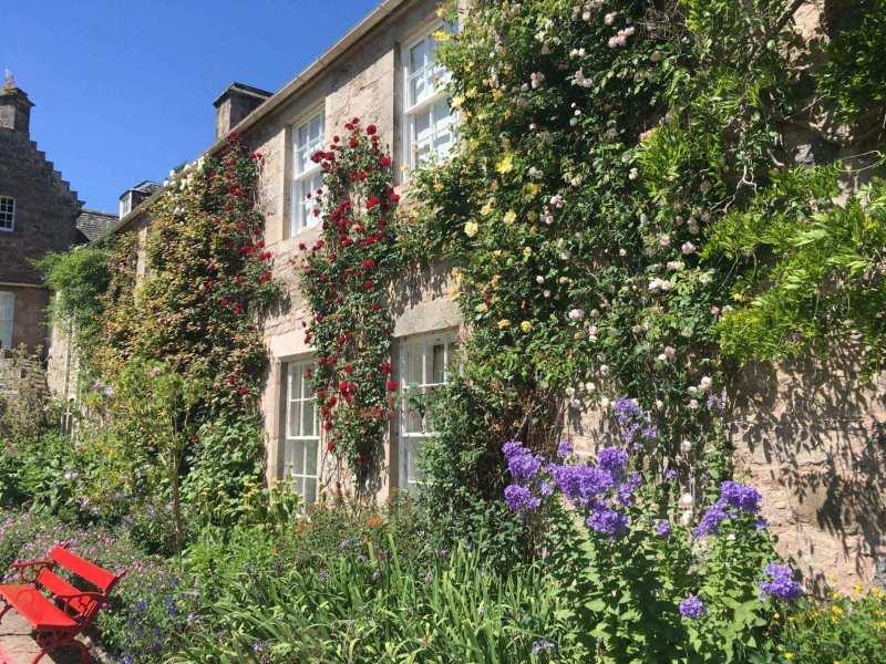 Cawdor-Castle-gardens-scaled