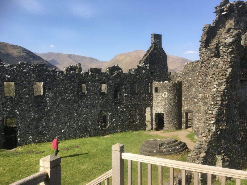 Kilchurn-Castle-courtyard-scaled
