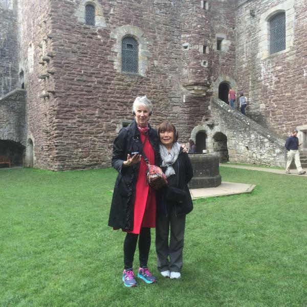 DOune-Castle-two-ladies